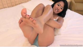 Angelina Chung - Foot Fetish Daily
